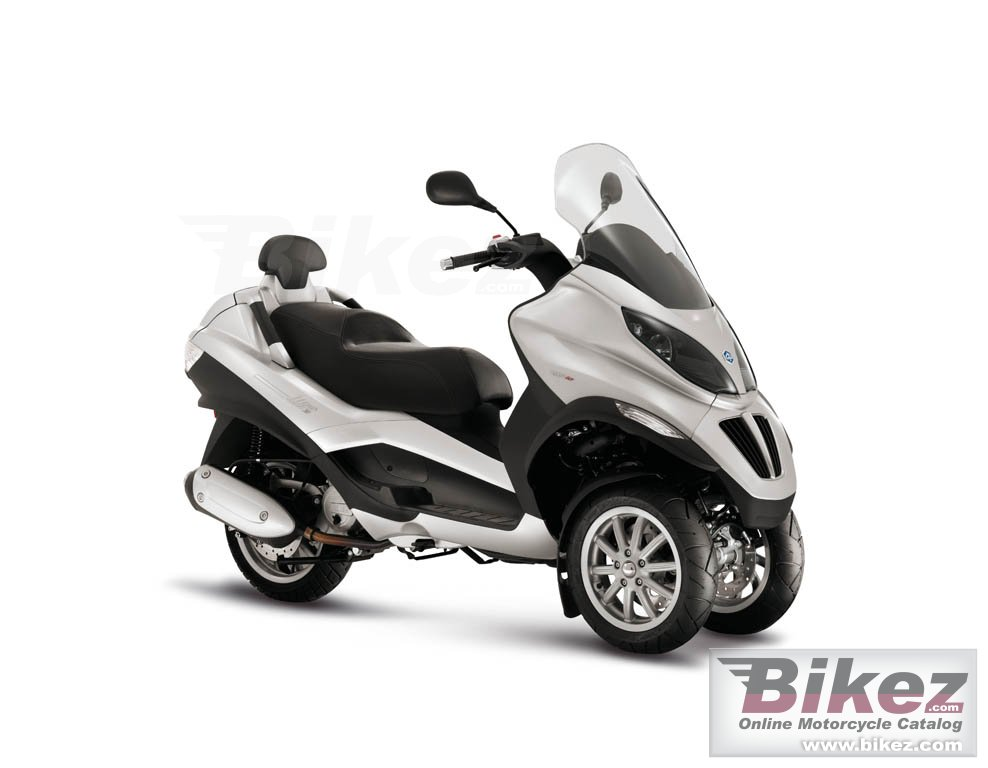 Big Piaggio mp3 125ie picture and wallpaper from Bikez.com