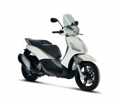 2012 Piaggio BV Sport Touring 350ie photo