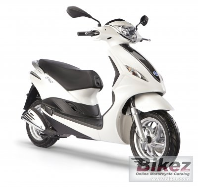 2013 Piaggio Fly 150 specifications and pictures