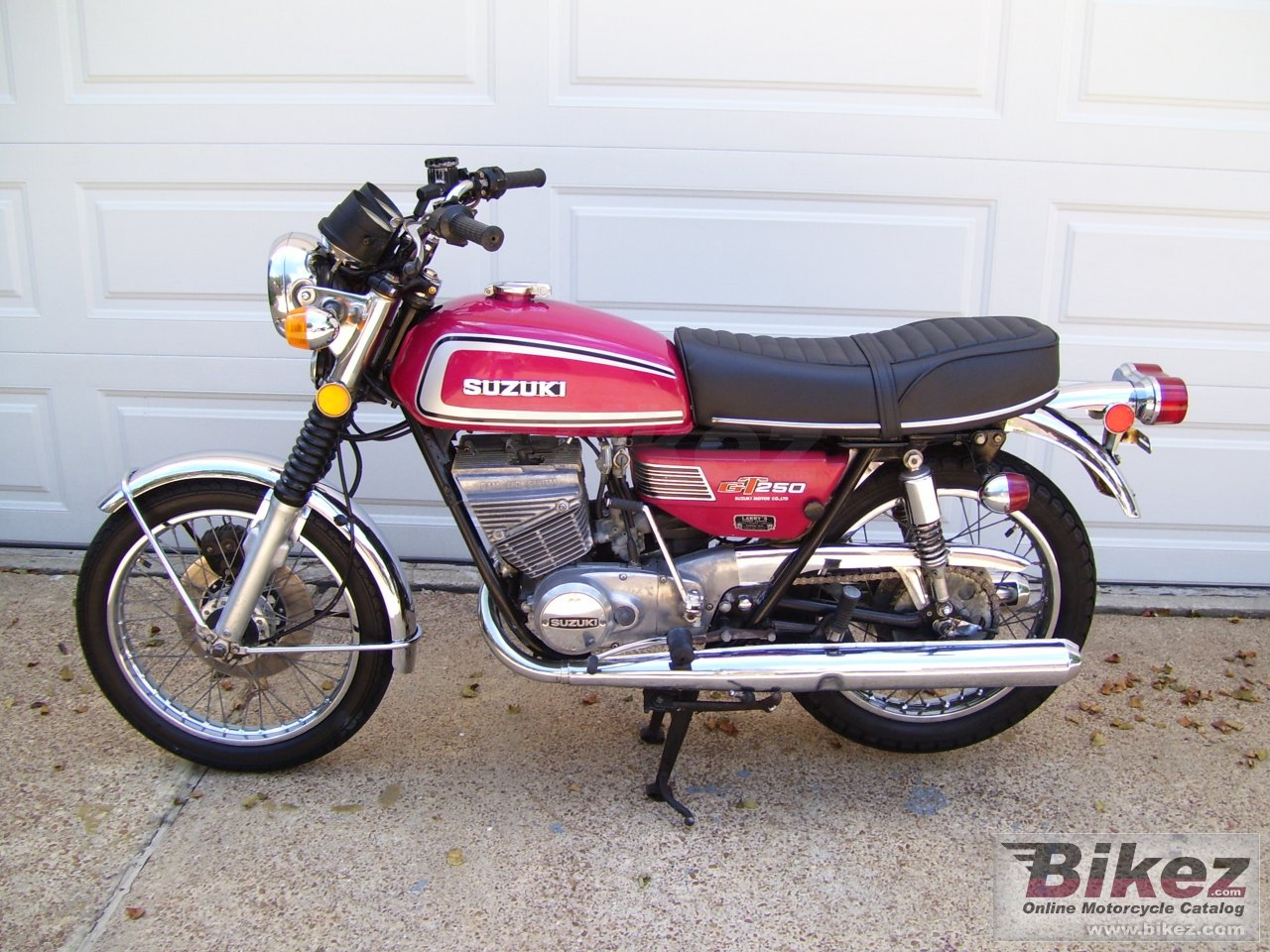 Big ike 1974 titled as 1973 gt 250 picture and wallpaper from Bikez.com