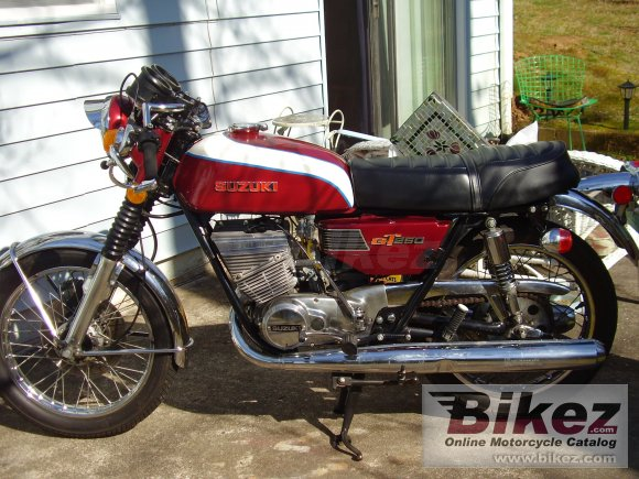 1973 Suzuki GT 250 photo