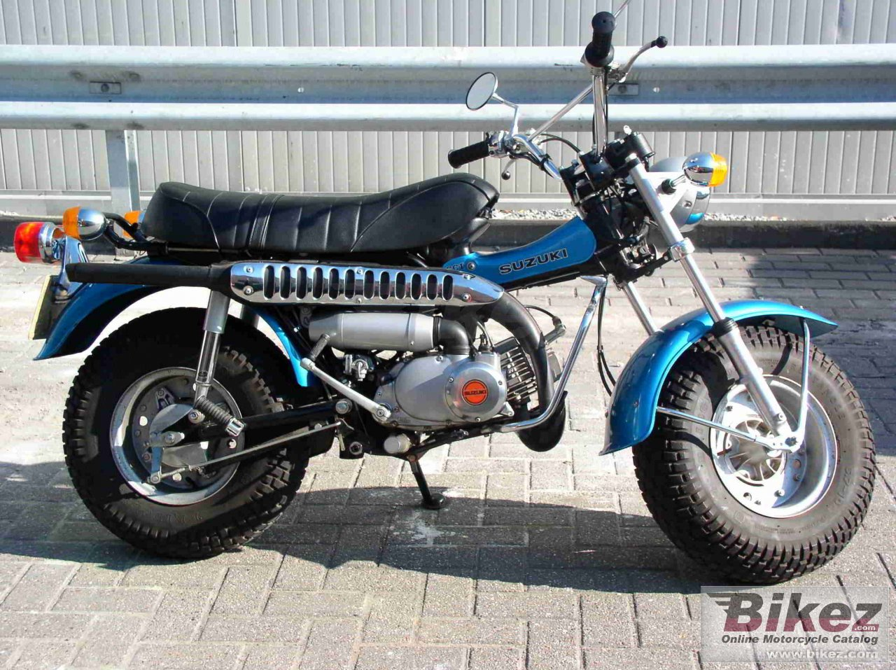 Big Knarf Knireprah rv 90 picture and wallpaper from Bikez.com