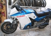 1984 Suzuki GSX 550 EF photo
