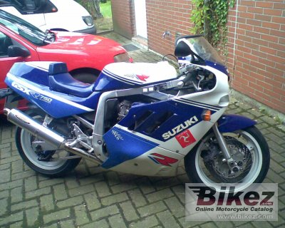 1988 Suzuki GSX-R 750 specifications and pictures