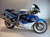 1990 Suzuki GSX-R 750 photo