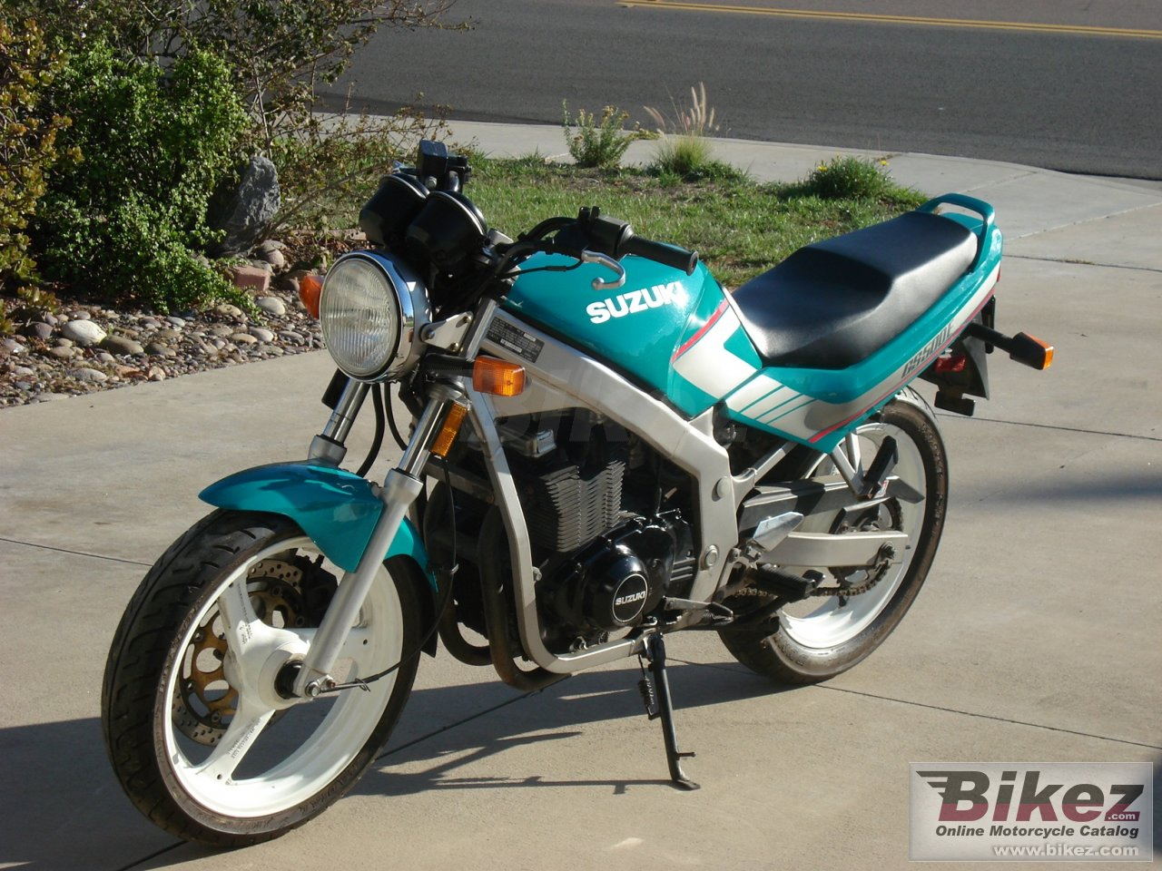 Suzuki GSX 600 F (reduced effect)
