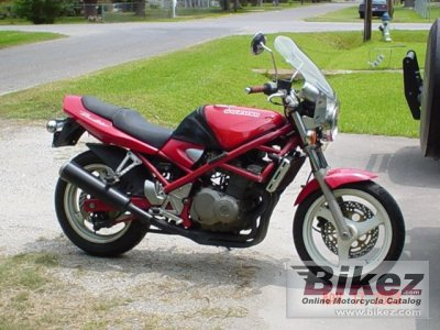 1991 Suzuki Bandit 400 photo
