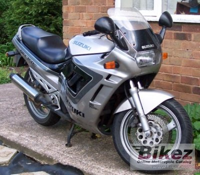 Ogromny 1991 Suzuki GSX 750 F specifications and pictures TH85
