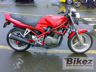 1995 Suzuki Bandit 400 photo