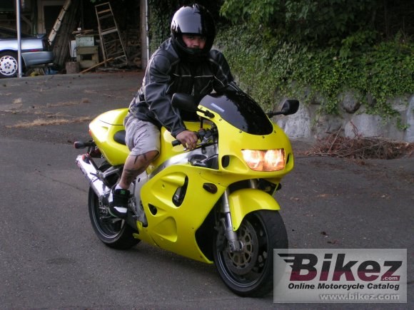 1997 Suzuki GSX-R 750 photo