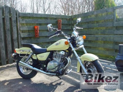 1999 Suzuki GZ 250 Marauder photo