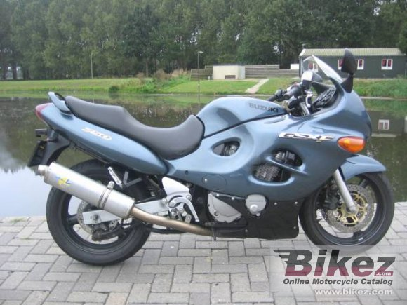2000 Suzuki GSX 750 F photo