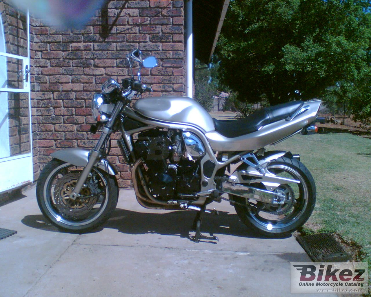 Big nymous user. gsf 1200 n bandit picture and wallpaper from Bikez.com