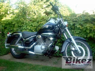 2000 Suzuki Intruder 125 photo