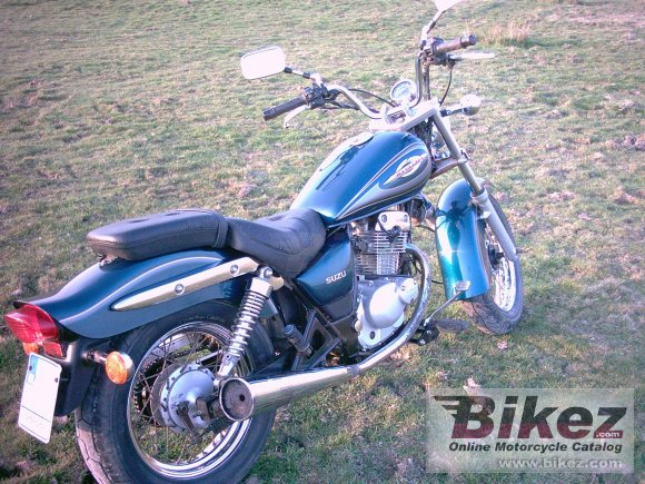 2001 Suzuki GZ 125 Marauder photo