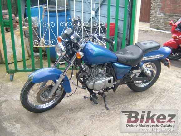 2003 Suzuki GZ 250 photo