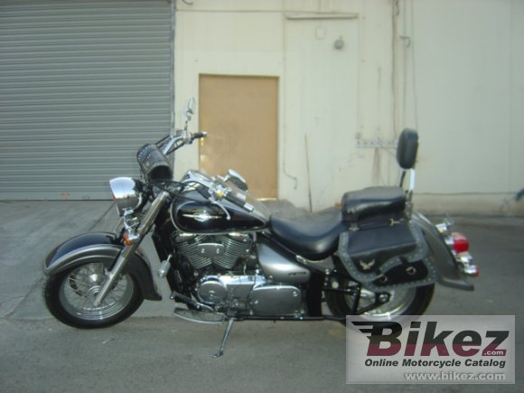 2005 Suzuki Boulevard C50 photo