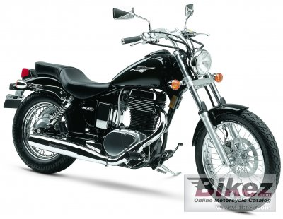 2005 Suzuki Boulevard S40 photo