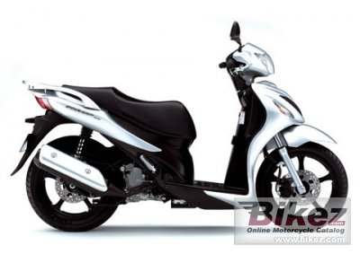 2009 Suzuki Sixteen 125 photo
