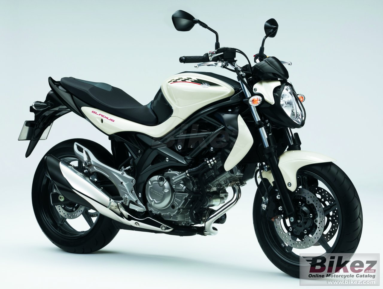 Big Suzuki gladius picture and wallpaper from Bikez.com