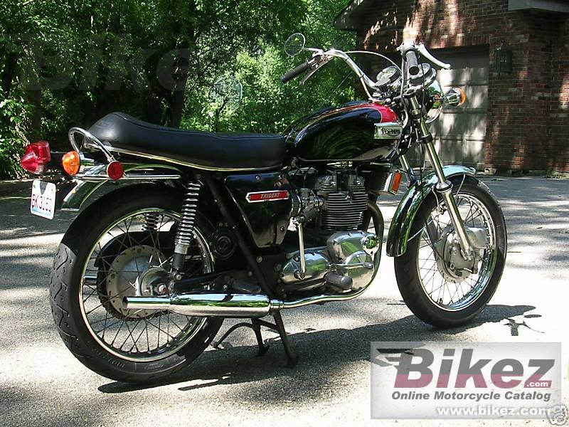 Big  t 150 v trident 750 picture and wallpaper from Bikez.com