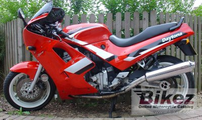 1991 Triumph Daytona 750 (reduced effect)