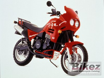 1996 Triumph Tiger 900 photo