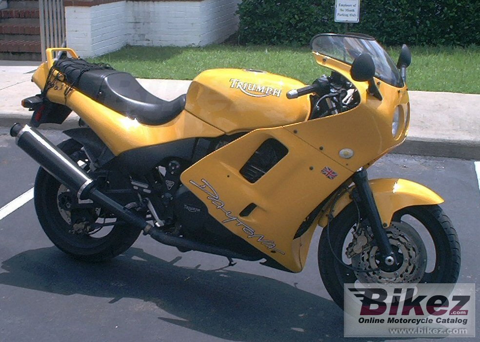 Big Andy Davis 2002 daytona 900 picture and wallpaper from Bikez.com