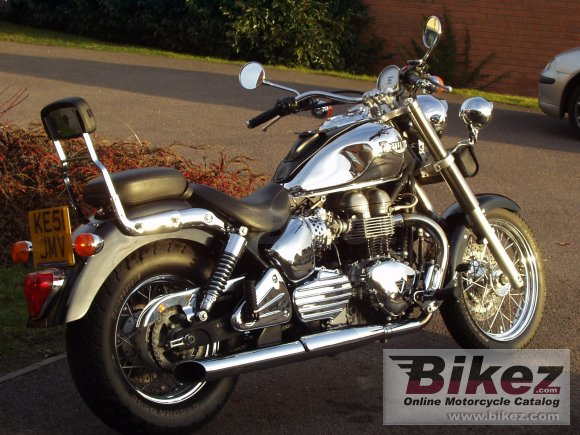 2002 Triumph Bonneville America photo