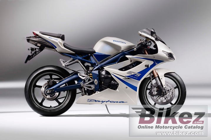 Big Triumph daytona 675 se picture and wallpaper from Bikez.com