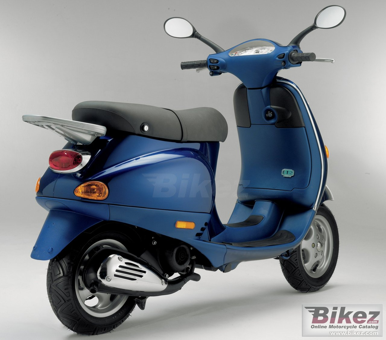 image gallery 2004 vespa 50 scooter. Black Bedroom Furniture Sets. Home Design Ideas