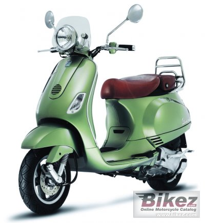 2008 Vespa LXV photo