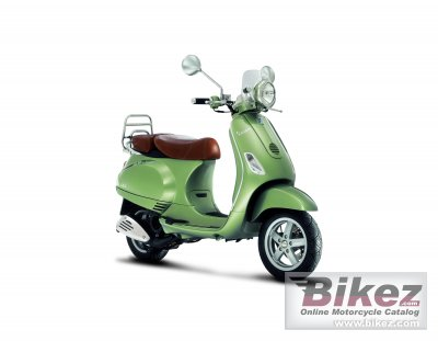 2009 Vespa LXV 125 photo