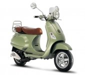 2010 Vespa LXV 150 photo