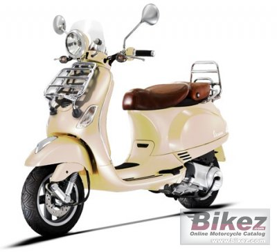 2013 Vespa LXV 150 IE photo