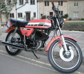 1976 Yamaha RD 200 DX photo