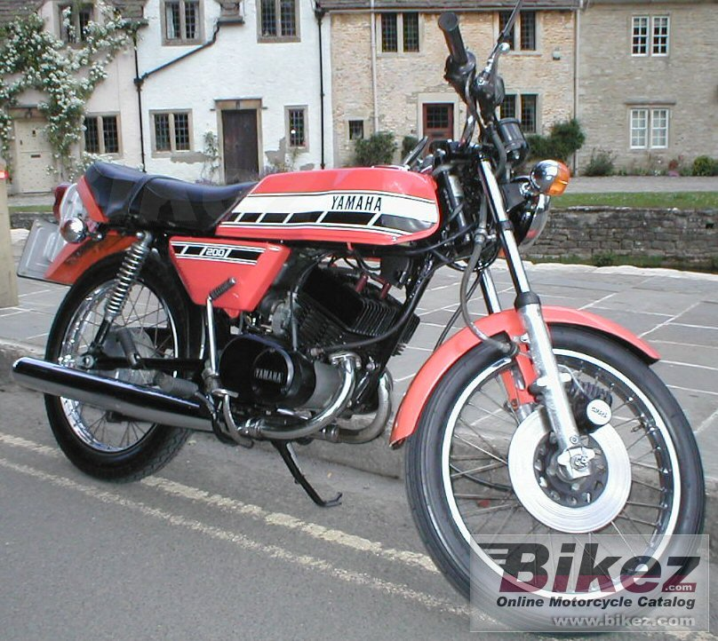 Big Derek Freegard. www.aircooled-rd.com rd 200 dx picture and wallpaper from Bikez.com