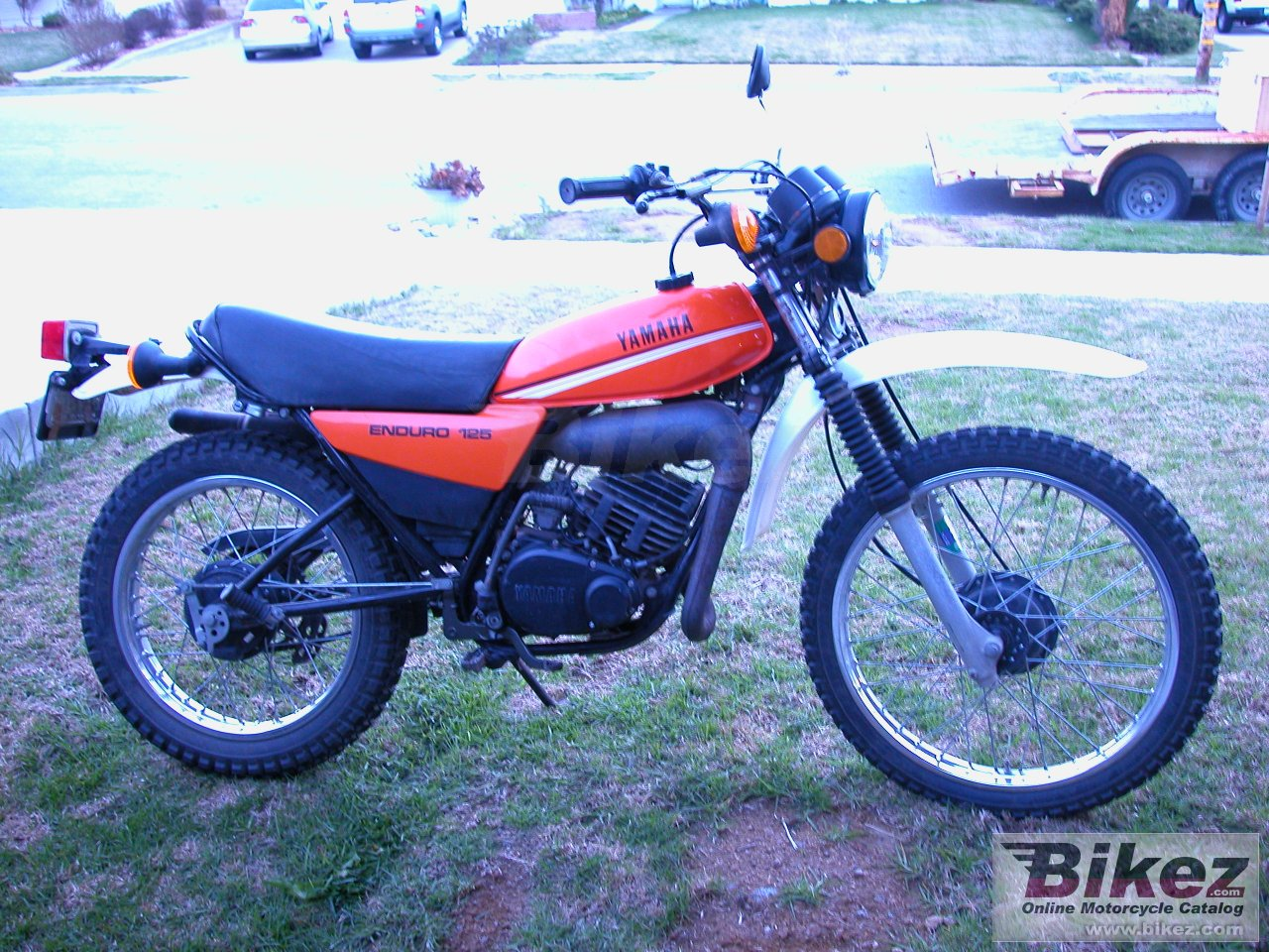 Big nduro dt 125 e picture and wallpaper from Bikez.com