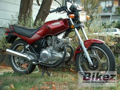 1983 Yamaha XS 400 DOHC (reduced effect) photo