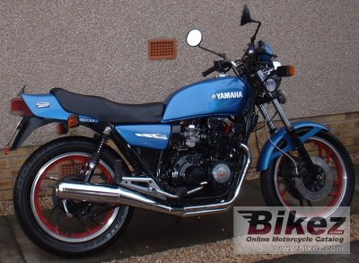 1983 Yamaha XJ 550 photo