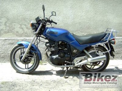 1983 yamaha xs 400 dohc specifications and pictures. Black Bedroom Furniture Sets. Home Design Ideas