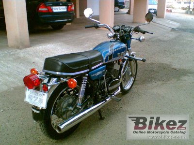 1984 Yamaha RD 350 LC YPVS (reduced effect)