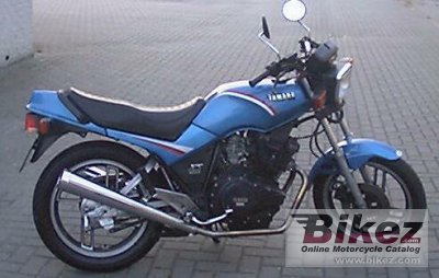 1984 yamaha xs 400 dohc specifications and pictures. Black Bedroom Furniture Sets. Home Design Ideas