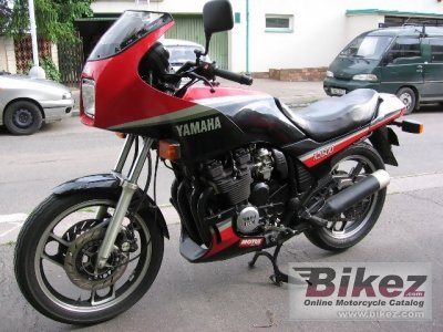 1986 yamaha xj 600 specifications and pictures. Black Bedroom Furniture Sets. Home Design Ideas