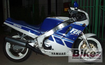 1988 Yamaha FZR 1000 Genesis (reduced effect)