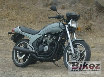 1988 Yamaha XJ 600 (reduced effect)