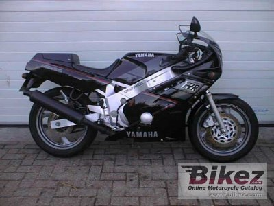 1989 Yamaha FZR 600 photo