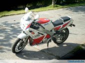 1990 Yamaha FZR 600 (reduced effect #2)
