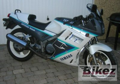 1990 Yamaha FZ 750 photo