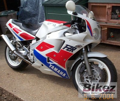 1990 Yamaha FZR 1000 photo